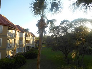 Cozy Orlando condo near Sea World, Disney and Universal