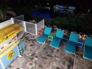 'Keepin' it Reel' in Marathon! Pool, Paddleboards, Bikes, Kayak, Tiki Hut Bar!
