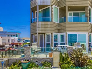 Beautiful Ground Floor Ocean Front Condo. Kid Friendly 2 bed  2 bath