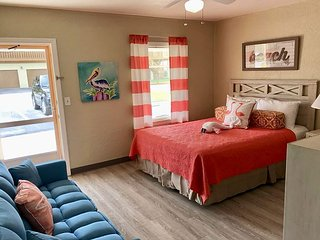 Newly Renovated as of Sept 2018 The Pelican of Indian Rocks Beach  7 Slps 4