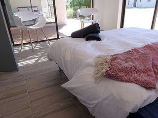 Cape Town Holiday GuestHouse 25009