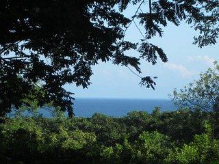 La Mayur, A taste of Island living in the heart of Paradise! Utila, Honduras