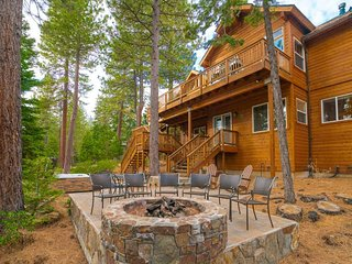 Gorgeous home in Tahoe City with hot tub and fire pit - Big Buck Lodge