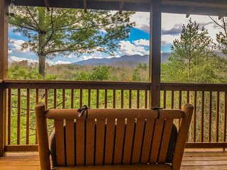 Happily Ever After -  Luxury Mtn Views, Private 2BR/1.5BA Sleeps 4 (HEA)