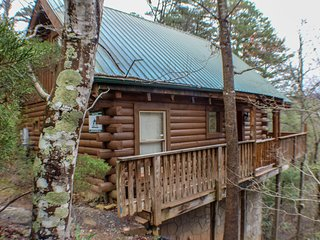 Hummingbirds Nest - Mtn Views Jacuzzi Billiard 2BR 1.5BA Sleeps 6