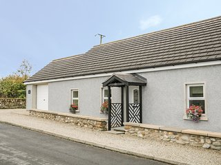 PLUM TREE COTTAGE, electric fire, open-plan living, Limavady
