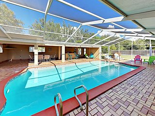 Enjoy a Private Screened Pool & Cabana - 4BR w/ Guest Suite, Near Dock