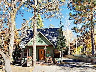 Near Mountain, Lake & Village - 3BR w/ Private Hot Tub & Boat Parking