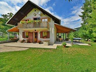 2 bedroom Apartment in Crni Kal, Primorsko-Goranska Zupanija, Croatia : ref 5549