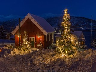 Budeia Lodge Living. Arctic Guesthouse for groups or couples.