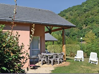 2 bedroom Villa in Saint-Geniez-d'Olt, Occitania, France : ref 5539271