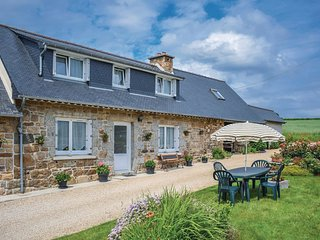 3 bedroom Villa in Caouennec-Lanvezeac, Brittany, France : ref 5521973