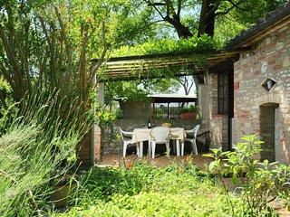 2 bedroom Villa in Castiglione del Lago, Umbria, Italy : ref 5056001
