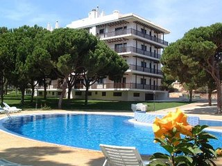 Falesia Beach Air Conditioned 2 bedroom 3rd floor Apartment (43) with WIFI