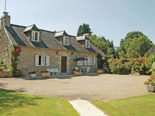 3 bedroom Villa in Gouesnach, Brittany, France : ref 5538955
