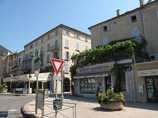 2 bedroom Apartment in Montélimar, Auvergne-Rhône-Alpes, France : ref 5647973