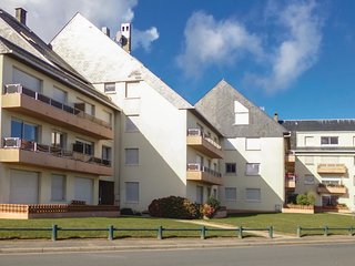 1 bedroom Apartment in Grandcamp-Maisy, Normandy, France : ref 5547193