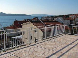 2 bedroom Apartment in Donji Seget, Splitsko-Dalmatinska Županija, Croatia : ref