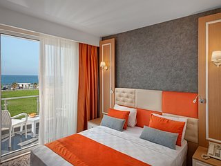 Superior Room with Partial Sea View 1