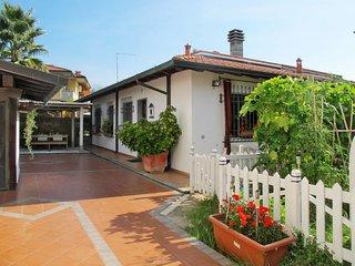 1 bedroom Villa in Marina di Massa, Tuscany, Italy - 5651411