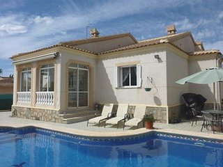 Villa In The Centre of Quesada with Private Pool