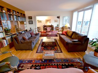 Spacious and Charming 3BR Vacation Rental in Paris