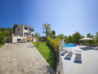 Villa Il Noce with private pool, SPA, garden, terraces, parking, ideal for famil