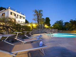Residence Bosco with two swimming pools, large gardens, parking, ideal for famil