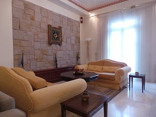 Late 20's Neoclassical Apartment