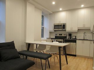Explore Our Beloved Montréal - Modern apartment