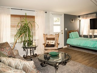 Private Entry Guest Suite - Best of Fort Collins!