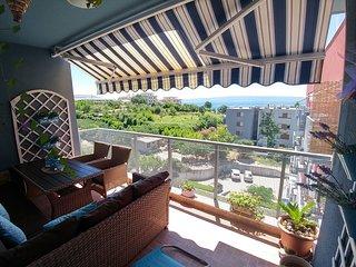 Deluxe sea view apartment