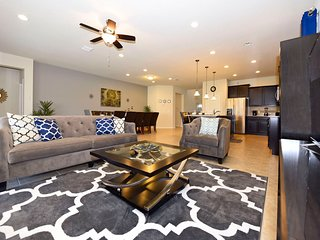 Luxury 8BR 6bth Windsor at Westside home w/pool, spa and gameroom from $275/nt