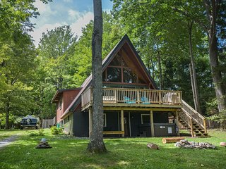 Fox Den - Charming, Dog Friendly A-Frame