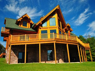Log Mahal - Stunning 5 Bedroom Log Home wi