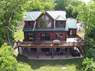 Pinnacle Retreat - House