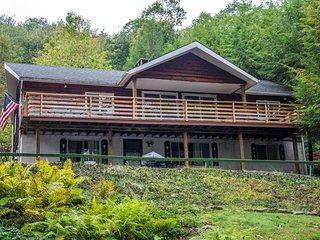 Lake Love - Lake front home less than 1 mi