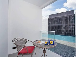 Phuket Holiday Apartment 9659