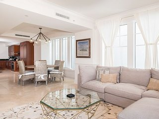 Marlin Bay Yacht Club - Professionally Decorated Home within Boutique Resort