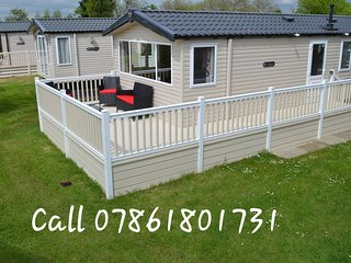 FlamingoLand Caravan Hire Willow Grove