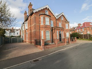 ST DAVIDS, ground floor cottage, open plan, Mundesley