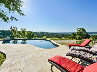 Hilltop Heaven for 8 in Spicewood