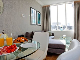 606 Kingsway · Luxurious 2 Bed Apartment Near Holborn Station