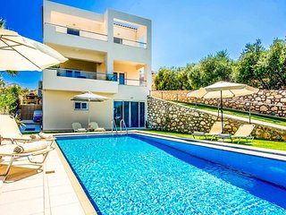 3 bedroom Villa in Plaka, Crete, Greece - 5682450