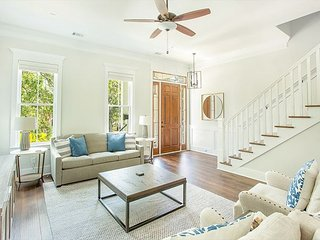Stay Local in Savannah: Room for Everyone, Ultimate Family Vacay House!
