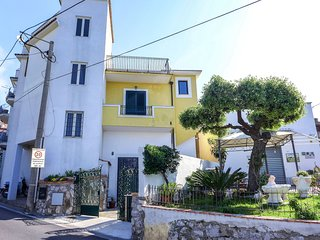 2 bedroom Apartment in Massa Lubrense, Campania, Italy - 5627490