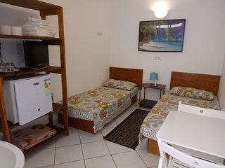 B05-Ostello Camera letti singoli - bagno privato