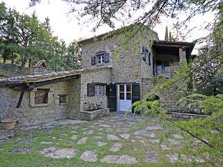 2 bedroom Villa in Il Castagno, Tuscany, Italy - 5688116