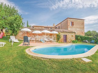 5 bedroom Villa in Vergelle, Tuscany, Italy - 5689173