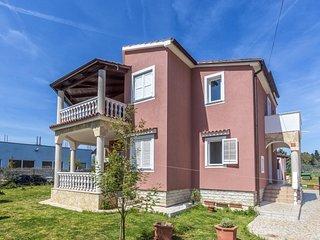 2 bedroom Apartment in Pula, Istarska Zupanija, Croatia : ref 5341473